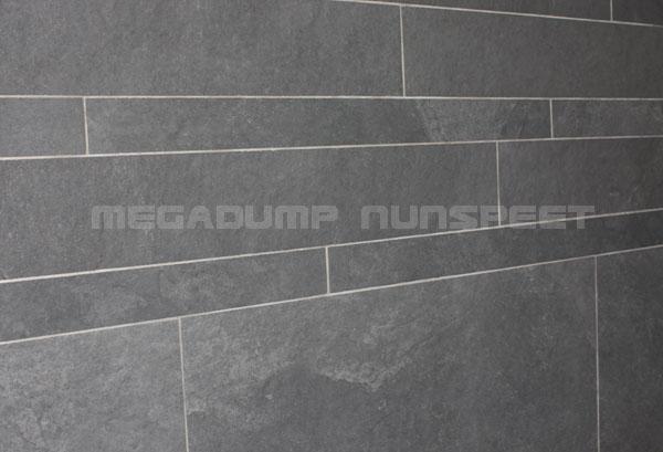 Wandtegels Keuken Voorbeelden : Tegelstroken en Steenstrips de laatste trend op badkamer tegel gebied.