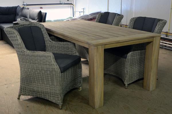 Tuintafel met 4 stoelen halve parasol - Houten tafel en stoel ...