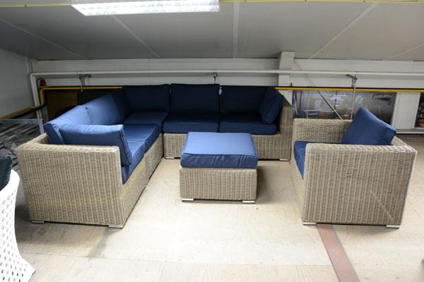 Loungeset met blauwe kussens